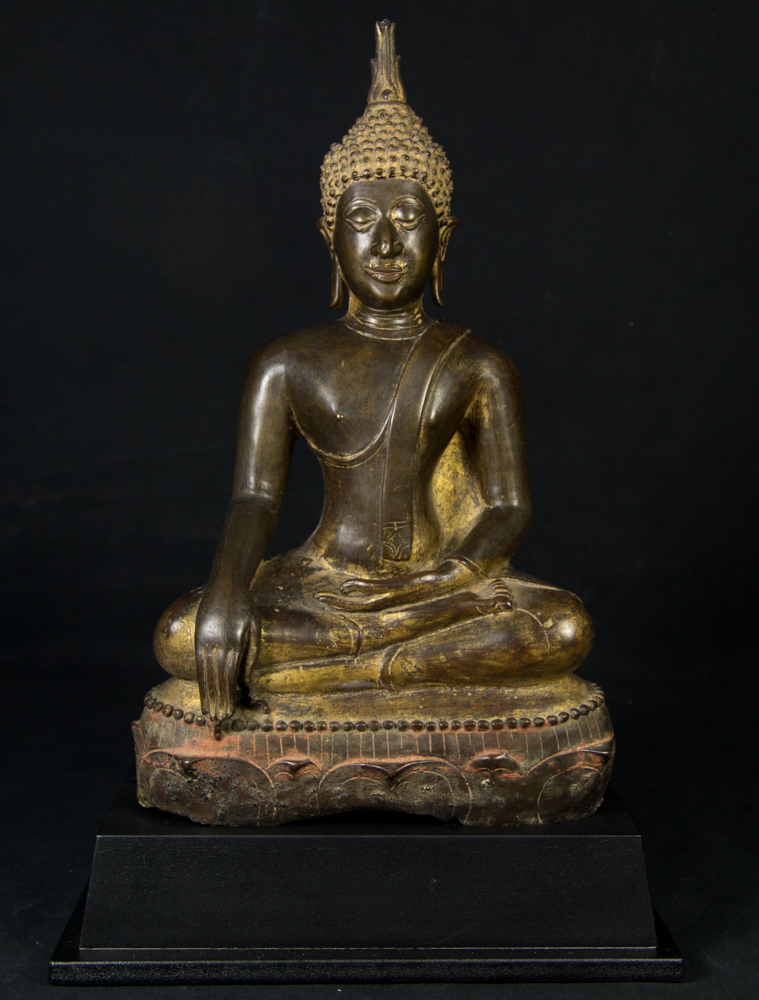 16th century North Thailand Buddha statue from Thailand