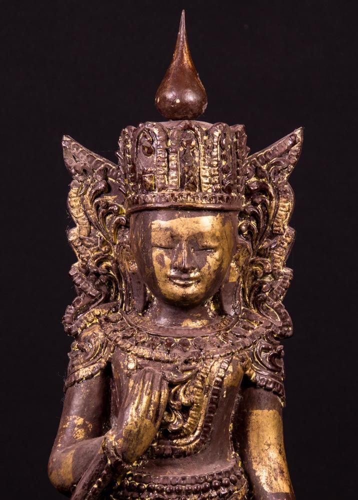 alte holzerne kronen buddha figur aus birma gemacht aus holz. Black Bedroom Furniture Sets. Home Design Ideas
