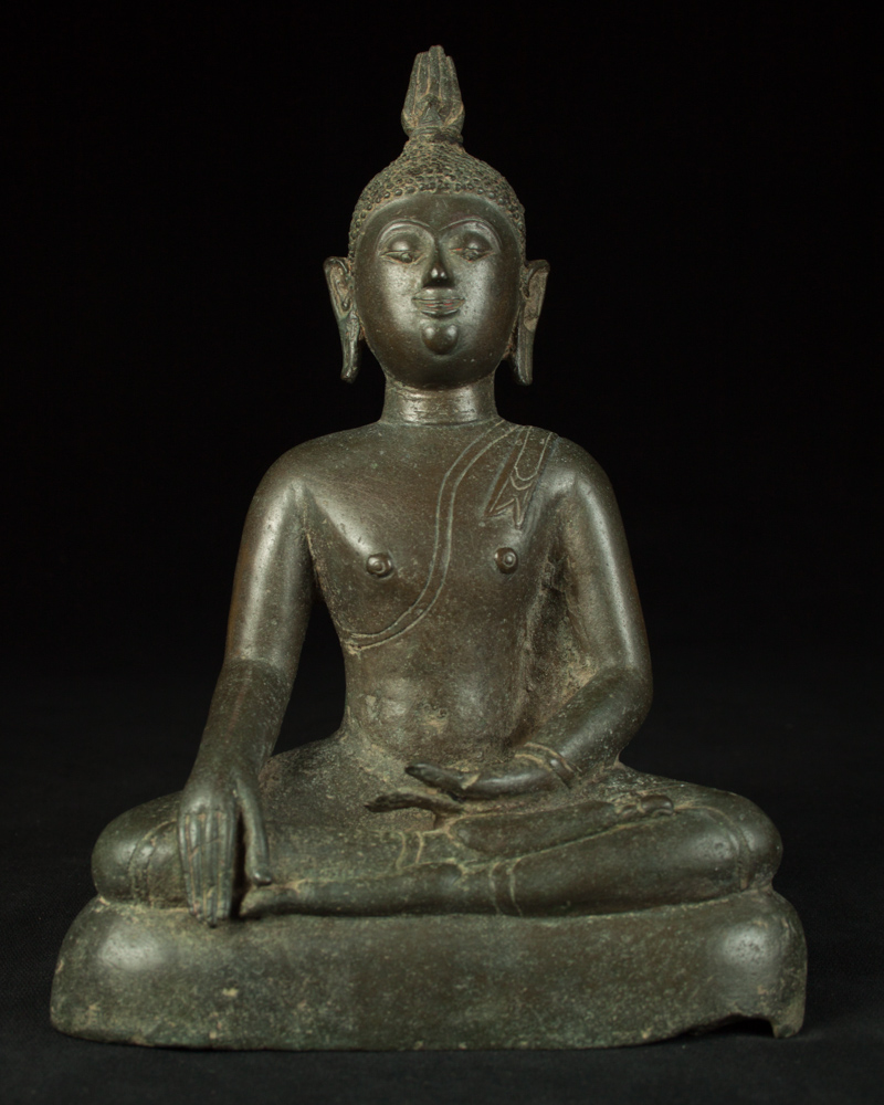 Antique bronze Chieng Sean Buddha statue from Thailand
