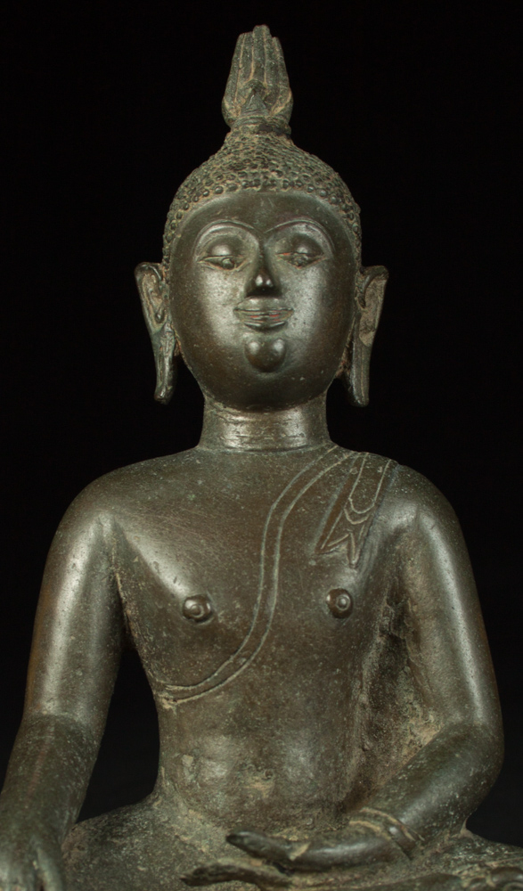 Antique bronze Chieng Sean Buddha statue from Thailand made from Bronze
