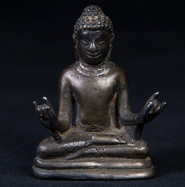 Antique bronze Top Quality Pyu Buddha statue