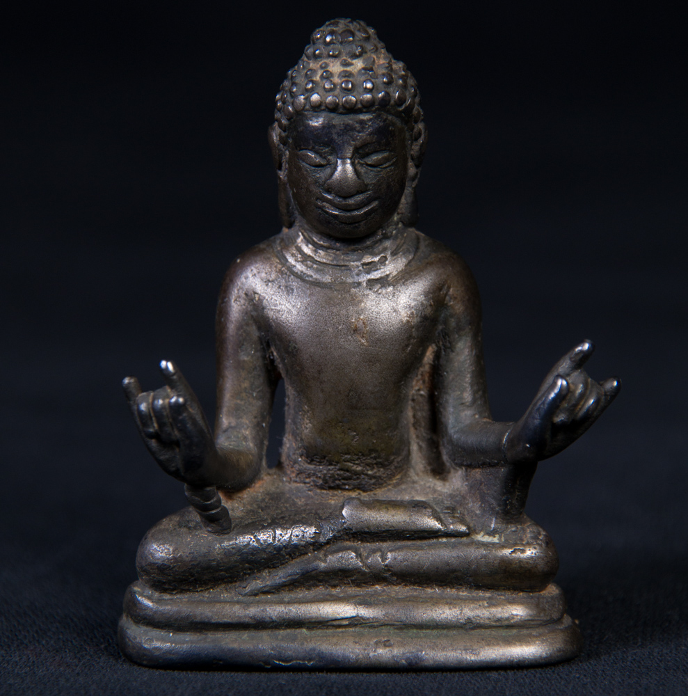 Antique bronze Top Quality Pyu Buddha statue from Burma made from Bronze
