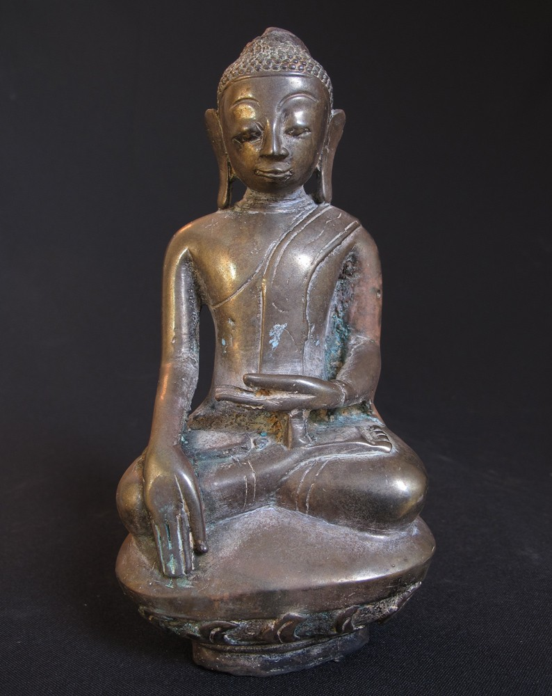 bronze ava buddha statue from burma made from bronze