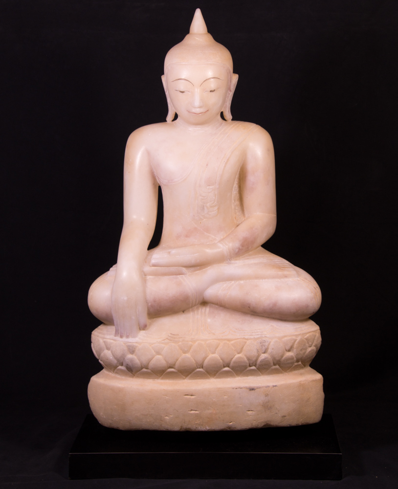 Antique high quality Alabaster Buddha statue from Burma