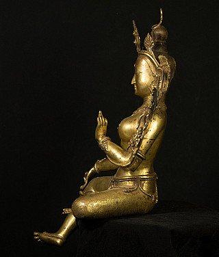 Groot bronzen Tara beeld