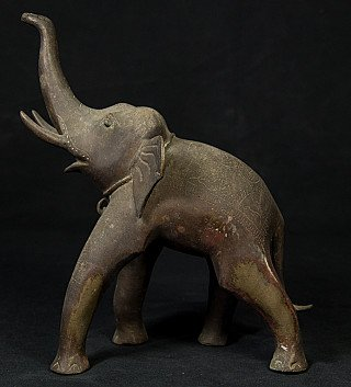 Antique bronze elephant statue