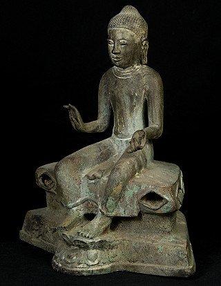 Old bronze Pyu Buddha statue