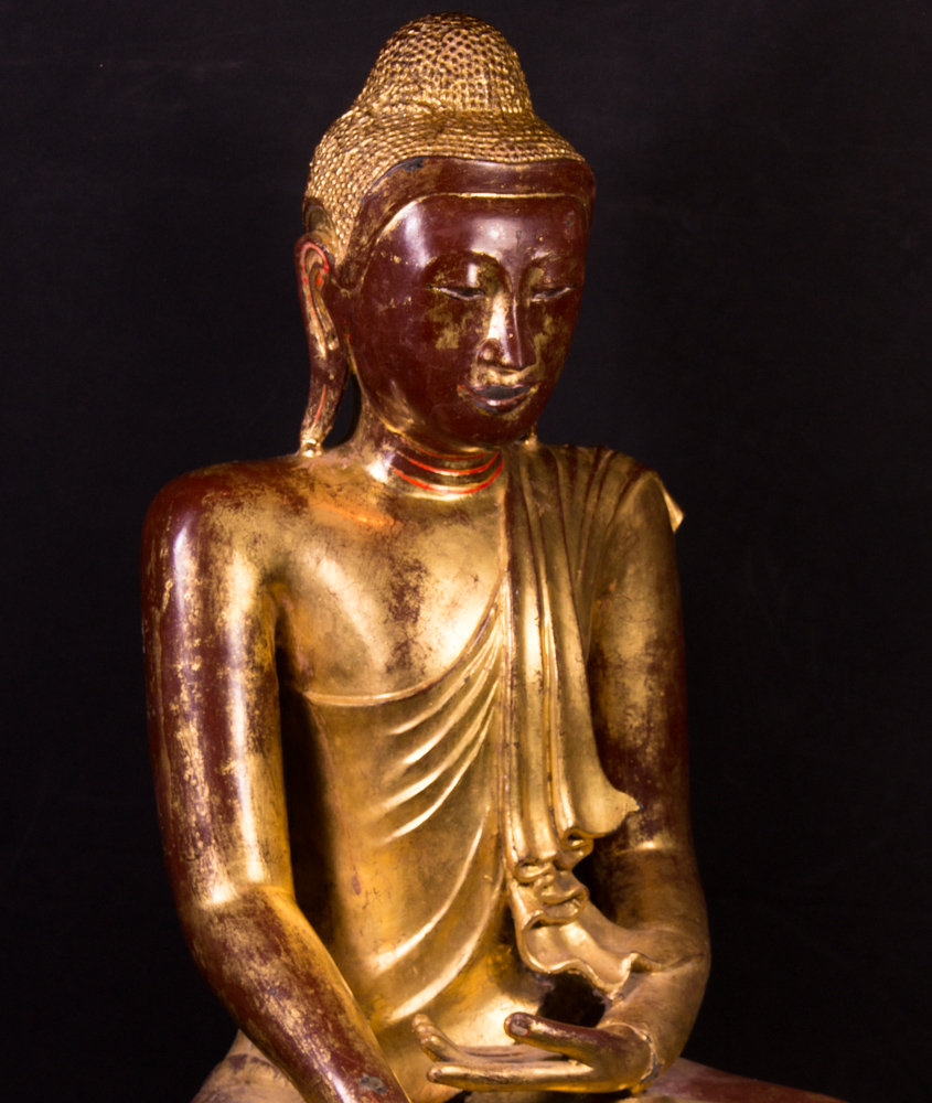 Antique bronze Mandalay Buddha statue from Burma made from Bronze