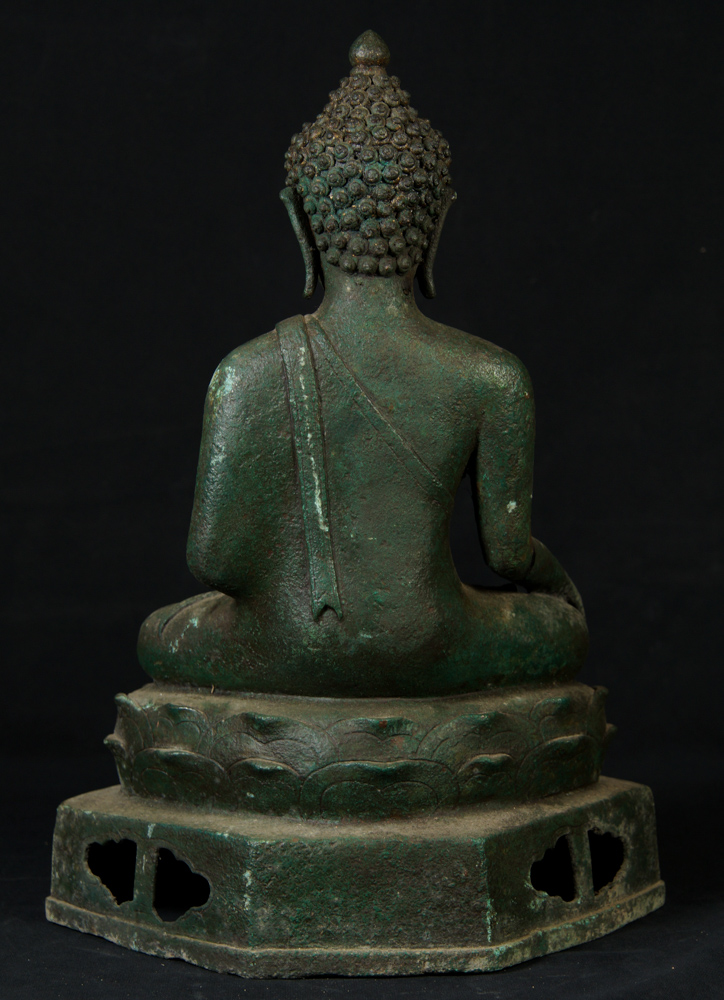 Antique bronze Chiang Saen Buddha statue from Thailand made from Bronze