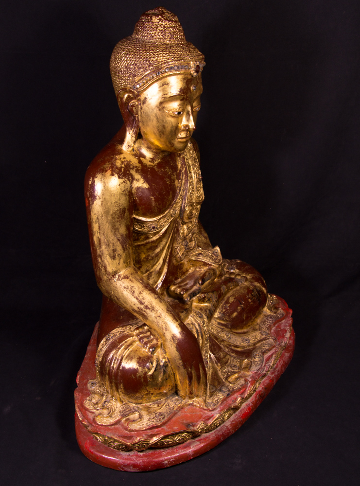 19th century wooden Mandalay Buddha from Burma made from Wood