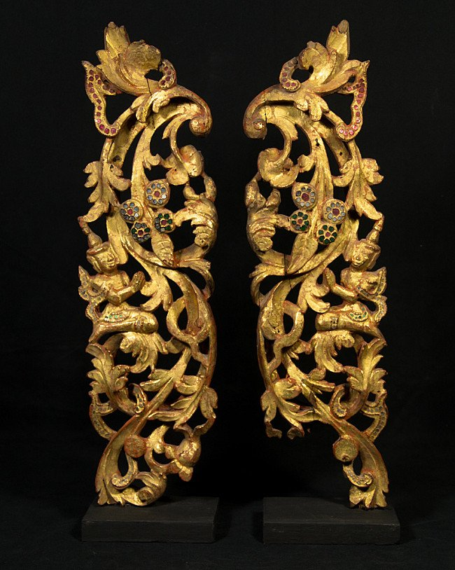 Antique pair of woodcarvings