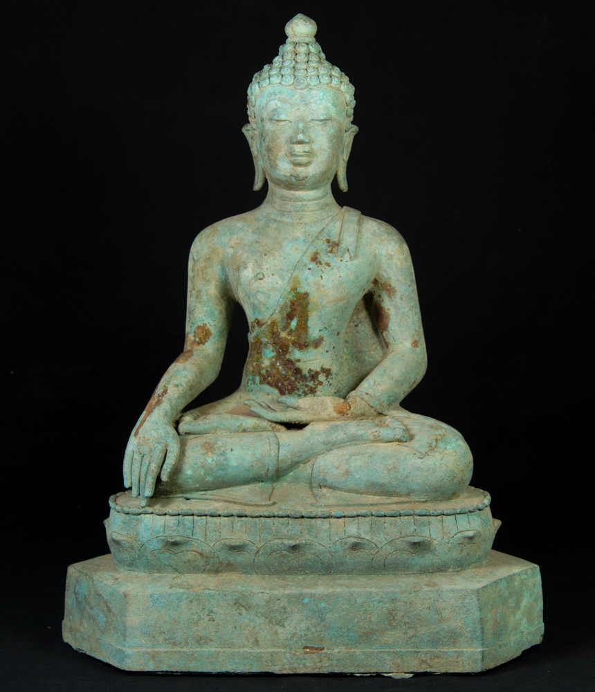 Old bronze Chiang Saen Buddha statue from Thailand