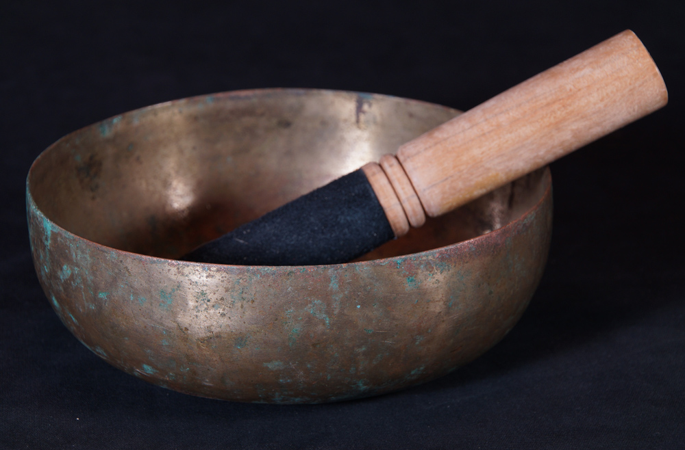 Beautiful antique Singing Bowl from Nepal made from Bronze