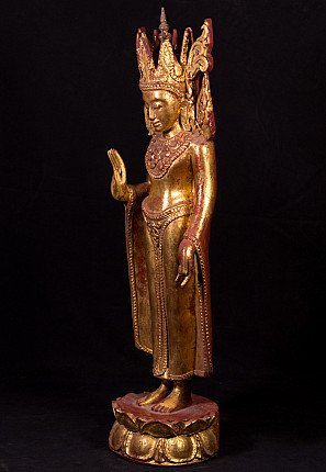 Old crowned Buddha statue