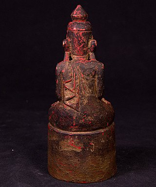 Antique wooden Shan Buddha statue