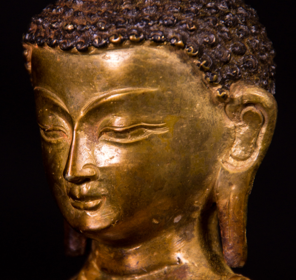 Old bronze Medicine Buddha statue from Nepal made from Bronze
