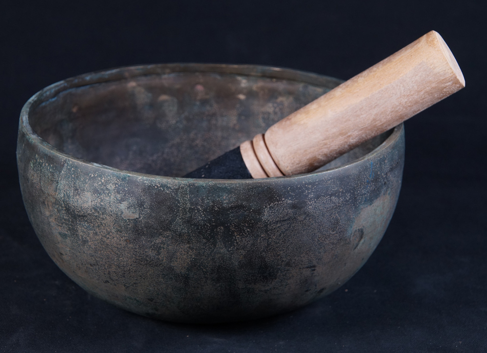 Beautiful Nepali Singing Bowl from Nepal made from Bronze