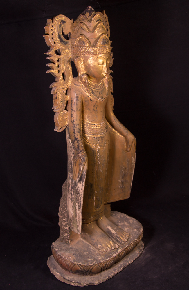 Very rare sandstone crowned Buddha statue from Burma made from Sandstone