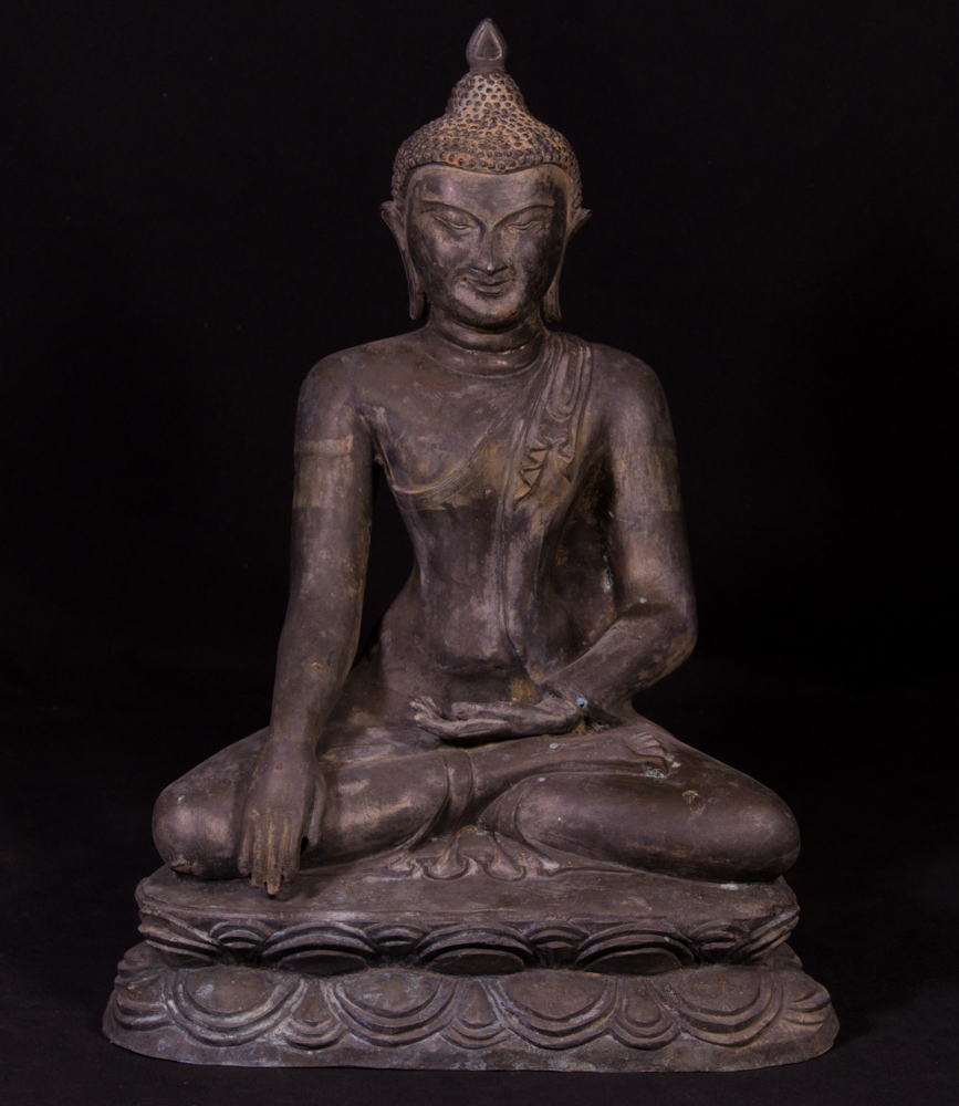 Old bronze Pagan Buddha statue from Burma