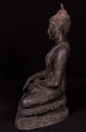 Old bronze Pagan Buddha statue