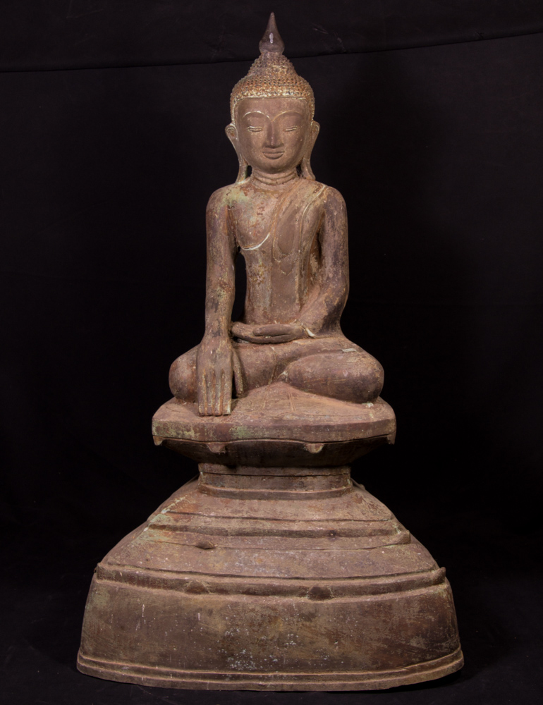 Antique bronzen Shan Buddha statue from Burma