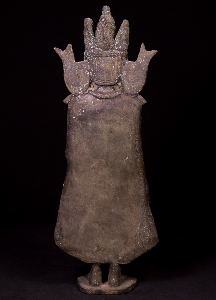 Antique bronze Pagan Buddha statue from Burma made from Bronze
