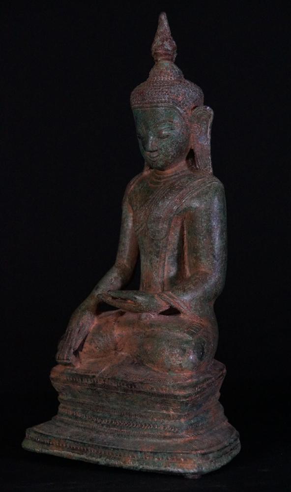 Antique bronze Ava Buddha statue