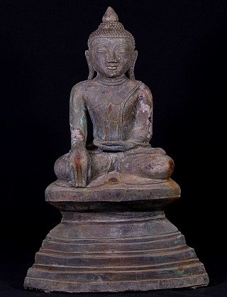 Antique bronze Buddha statue
