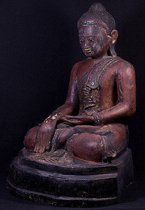 Groot antiek Mandalay Boeddhabeeld