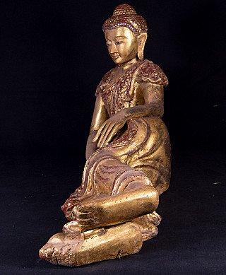 Old reclining Buddha statue