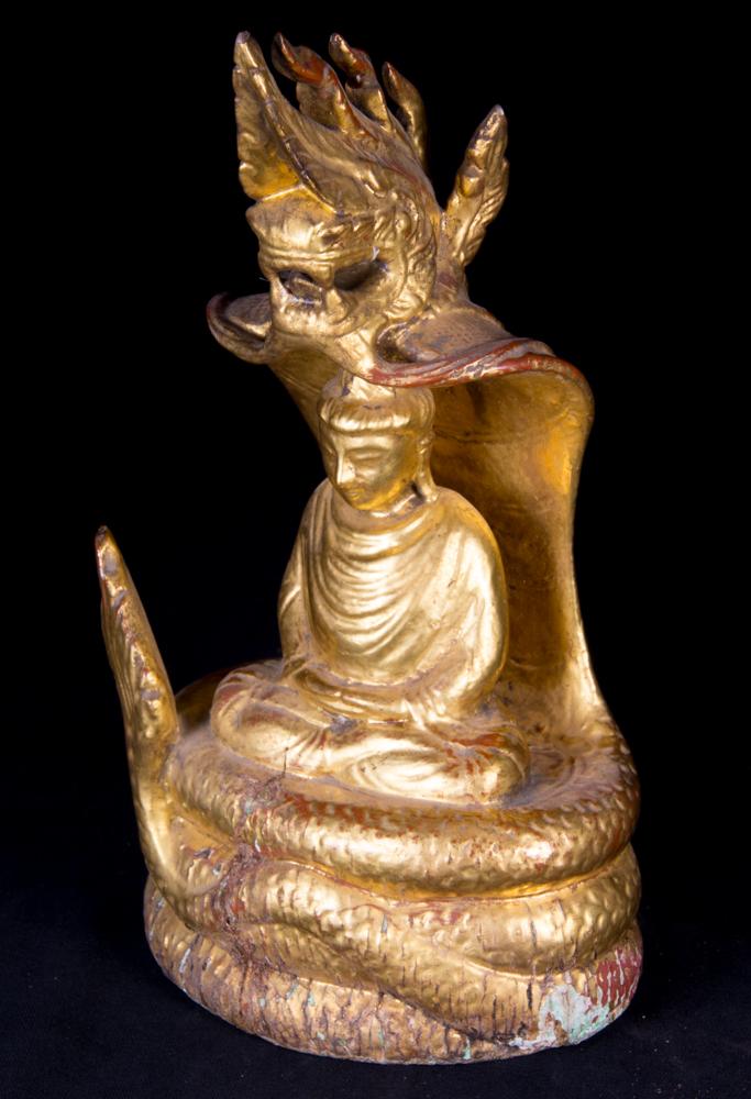 alte holzerne naga buddha figur aus birma gemacht aus holz. Black Bedroom Furniture Sets. Home Design Ideas