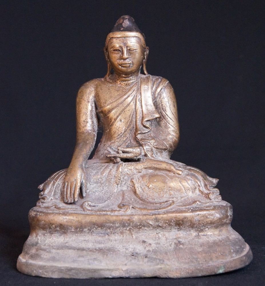 19th century bronze Mandalay Buddha from Burma