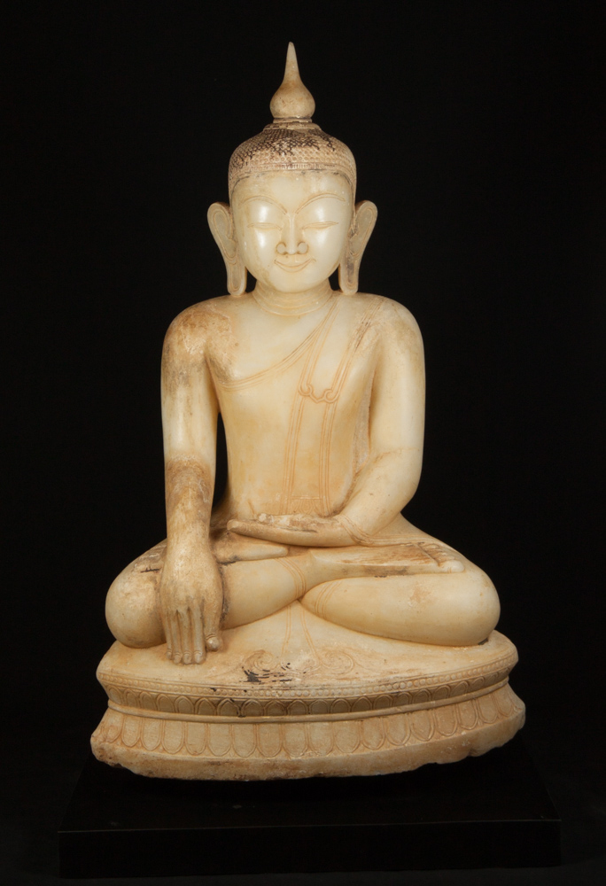 Very special alabaster Buddha statue from Burma