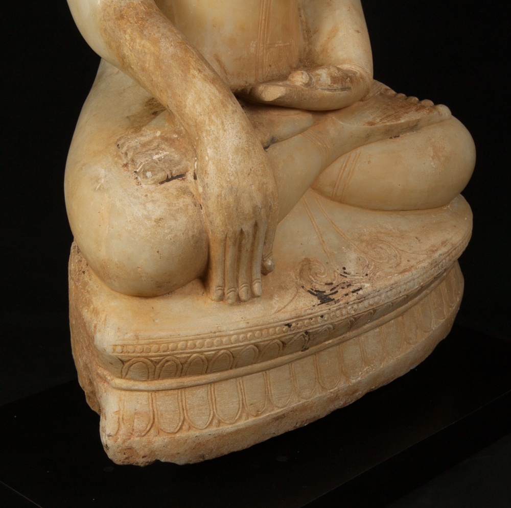 Very special alabaster Buddha statue from Burma made from Marble
