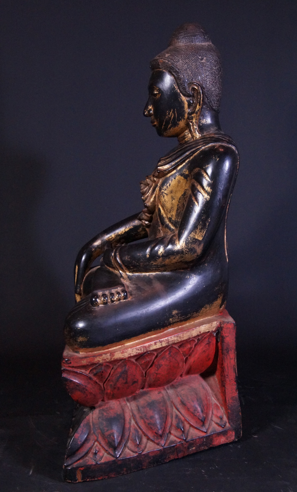 Large antique wooden Buddha statue from Burma made from Wood