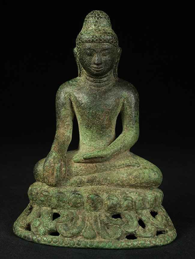 Very early Burmese Arakan Buddha statue