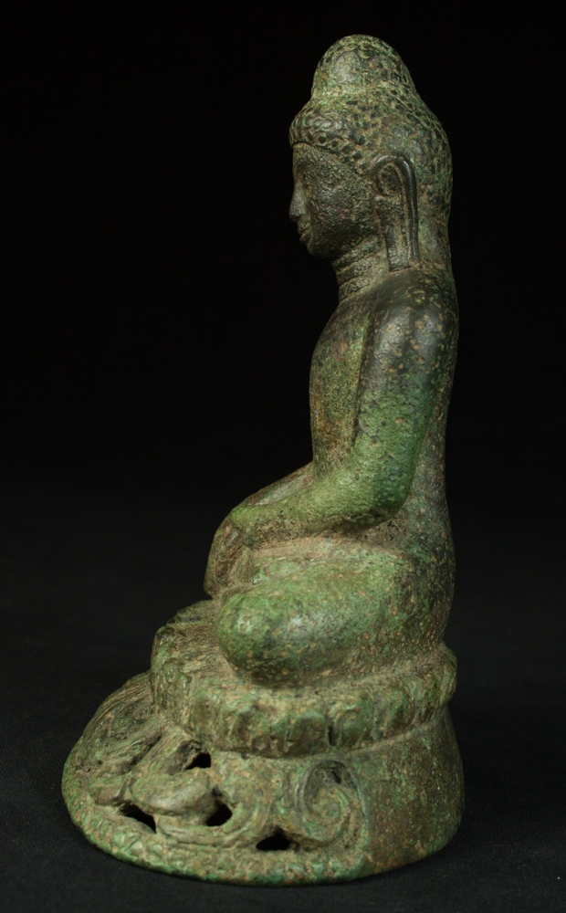Very early Burmese Arakan Buddha statue from Burma made from Bronze
