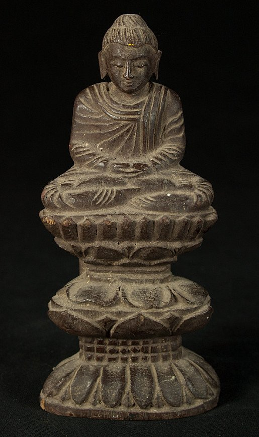 Old Burmese Shan Buddha statue