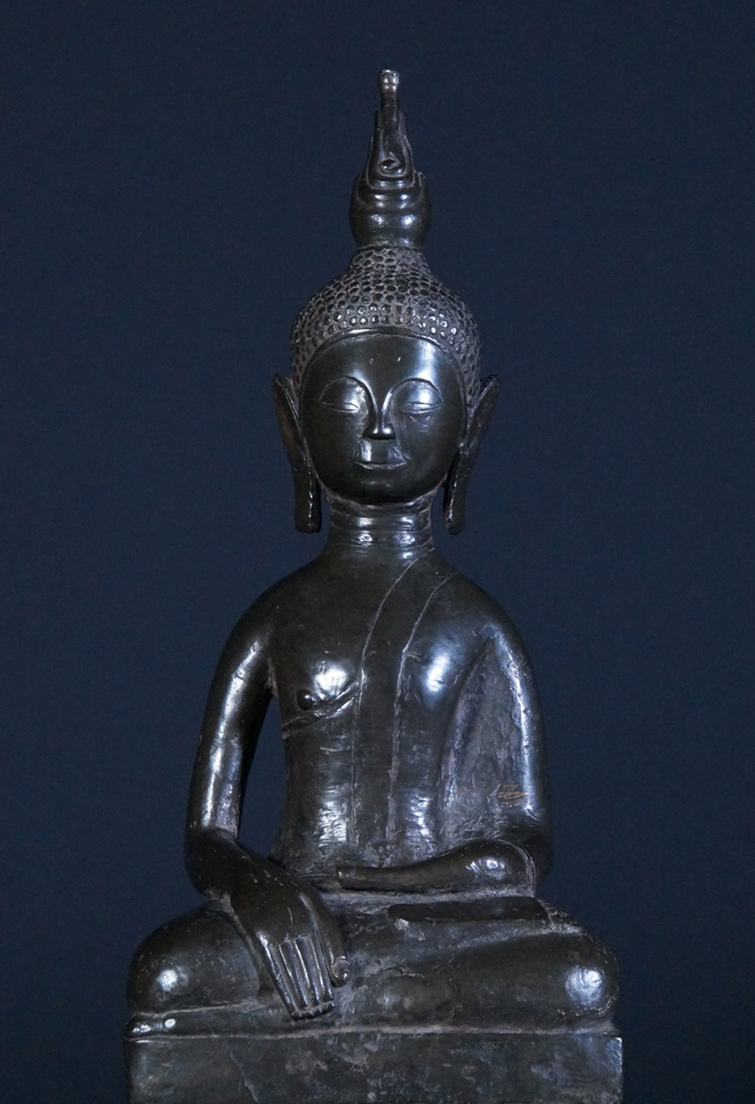 Very rare bronze Laos Buddha statue from Laos made from Bronze