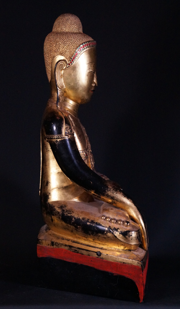 Very high quality Shan Buddha statue from Burma made from lacquer