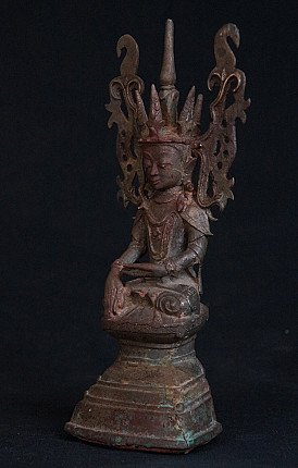 18th century crowned Buddha