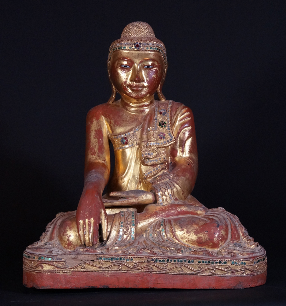 19th century Burmese Mandalay Buddha statue from Burma