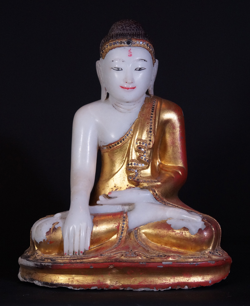 Antique Mandalay Buddha statue from Burma