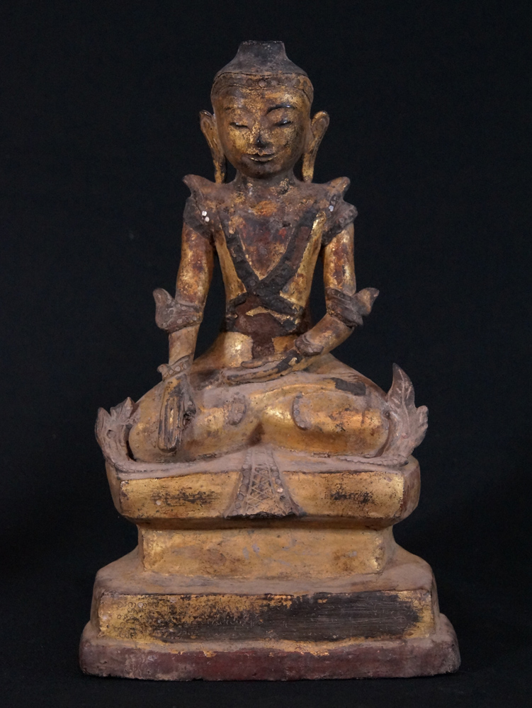 Antique Shan Buddha statue from Burma made from lacquer