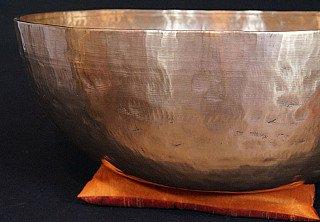 Large Nepali handbeaten Singing Bowl