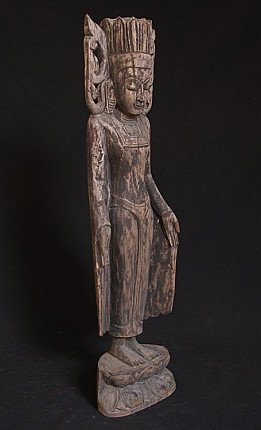 Old crowned Buddha