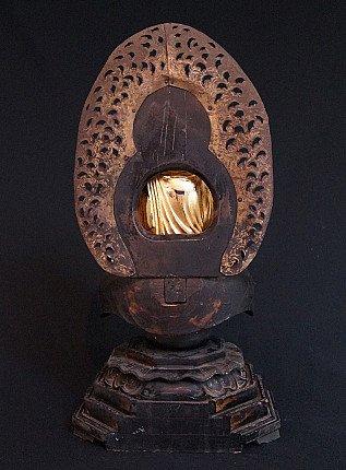 Large antique Amida Buddha