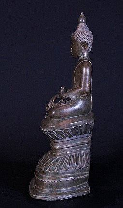 18e eeuwse bronzen Ava Boeddhabeeld