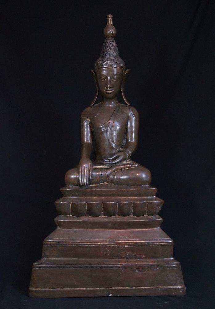 Large antique Shan Buddha statue from Burma