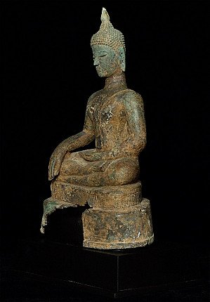 Antique North Thai Buddha statue